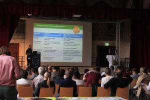 Martina Steiner (Gesundheitsfonds Steiermark) referiert über gesunde Ernährung in der Gemeinschaftsverpflegung