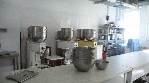 Besichtigung der Schulküche 'Školní jídelna' (4)